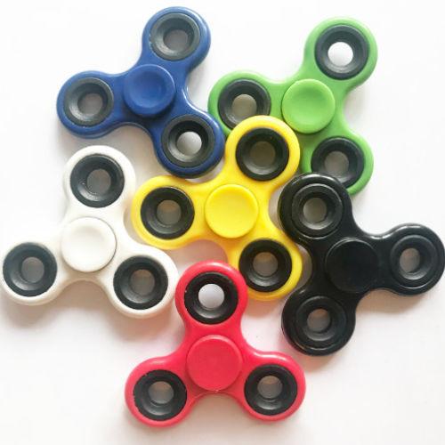 Tri Fidget Finger Spinner Hand Spielzeug Anti Stress Geschick Ruhe Konzentration 8 stück für 10 €
